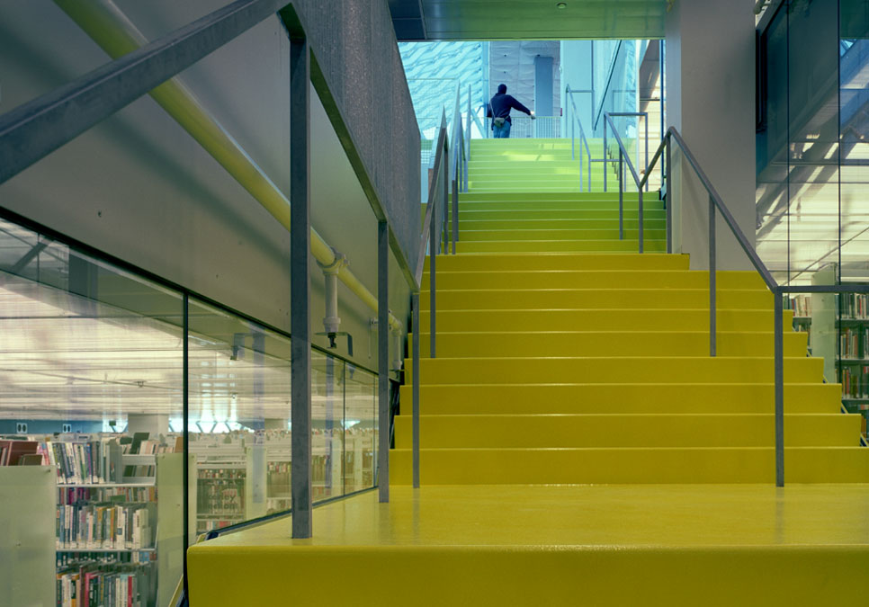 Yellow stairwell in the spiral area of the Central Library