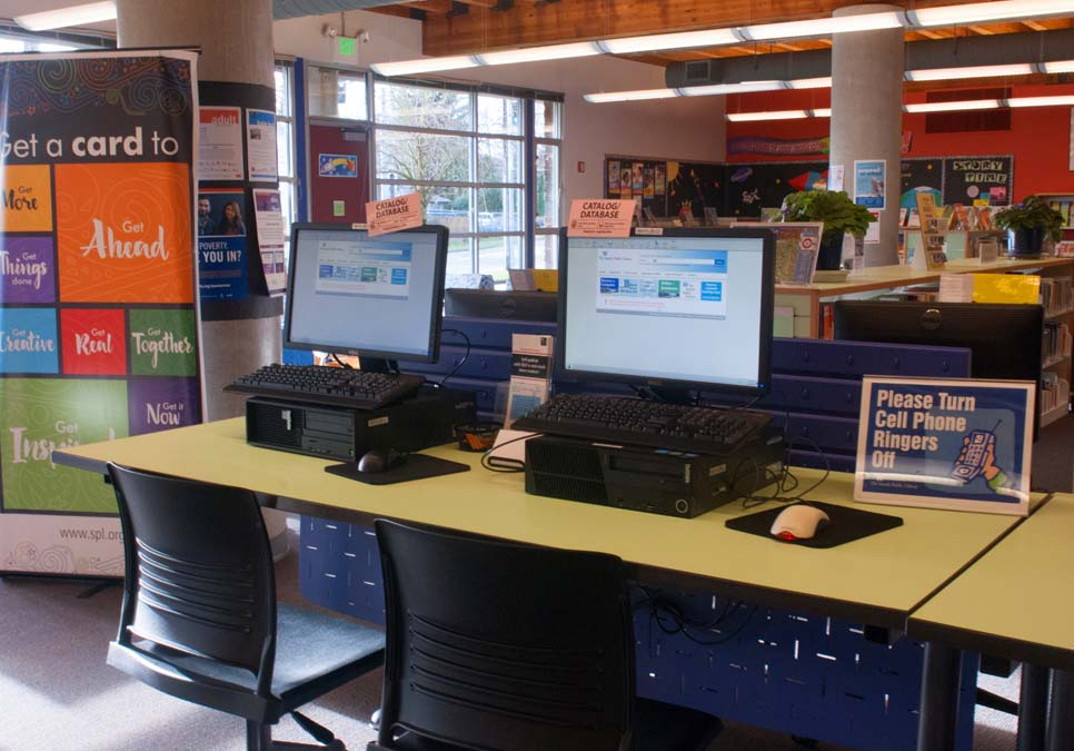 Public computer area at the NewHolly Branch